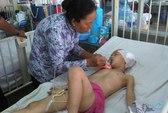 TPHCM: Đi học bị té lầu, bé gái 6 tuổi nứt sọ