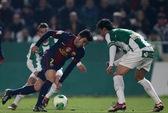 Real thua thảm, Barca lại thăng hoa