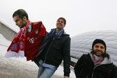 Có gần 300 triệu Euro, Guardiola nhắm Suarez và Falcao?