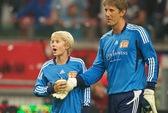 Van der Sar tự hào với truyền nhân