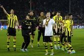 Hai bàn thắng phút bù giờ đưa Dortmund vào bán kết