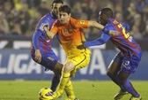 Lionel Messi: Ngang tài thần tượng Maradona