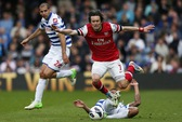 Arsenal thắng dễ QPR, có mặt Top 3