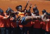Serena Williams bảo vệ thành công ngôi hậu