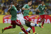Pirlo và Balotelli tỏa sáng, Ý thắng Mexico 2-1