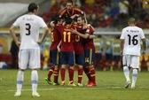 Thắng Uruguay 2-1, Tây Ban Nha khai cuộc nhẹ nhàng