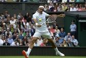"""Wimbledon: Từ chuyện đế giày Federer bị """"soi"""" đến nội y màu nổi của nữ ngôi sao"""