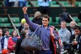 Roger Federer thắng trận thứ 900, chật vật vào tứ kết