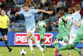 HLV Pellegrini bỏ về nước, Man City lại thua ở Nam Phi