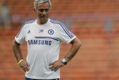 """HLV Mourinho dùng """"đòn hiểm"""" làm khó M.U"""