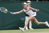"""Stosur bị loại, """"cô gái nude"""" A. Radwanska rộng cửa vô địch"""