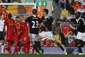 Liverpool gục ngã tại Anfield, Chelsea lên ngôi đầu