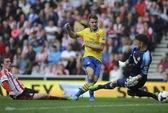 Arsenal thắng đậm lên ngôi đầu, Chelsea trắng tay ở Everton