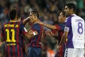 """Barca thắng trận thứ 8, Ronaldo """"cứu"""" Real Madrid tại Levante"""