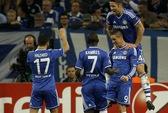 Chelsea đè bẹp Schalke, Arsenal gặp họa với con số 13