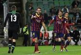 Barcelona đánh bại Betis, Messi dính chấn thương