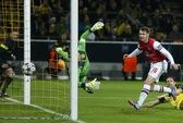 """Ramsey bén duyên ghi bàn, """"Pháo thủ"""" đánh bại Dortmund"""