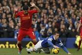 Liverpool thoát hiểm trận derby, Arsenal vững ngôi đầu
