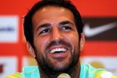 M.U, Arsenal hớ hàng vụ Fabregas và Suarez