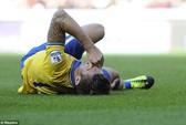 Giroud, Cazorla chấn thương trước ngày đấu Champions League