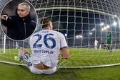 HLV Mourinho: Các cầu thủ Chelsea vừa đá vừa ngủ!