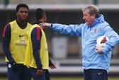 """HLV tuyển Anh chọc giận Liverpool khi thừa nhận dùng """"thương binh"""" Sturridge"""