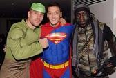 Sao Arsenal bỗng thành người nhện, siêu nhân