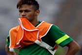Khẩu chiến trước trận Brazil - Uruguay: Neymar bị tố chơi bẩn