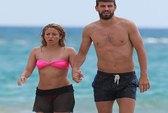 Mặc Barca thua trận, Pique cùng bạn gái sang Hawaii vui vẻ