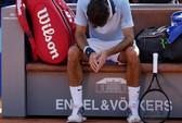 """""""Tàu tốc hành"""" Federer dừng bánh trên sân nhà"""
