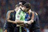 Vận đen tiếp tục đeo đuổi thủ môn Casillas