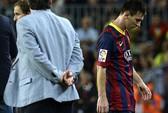 Bực bội khi bị thay ra: Messi phản ứng báo chí