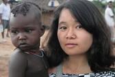 Giải mã những ồn ào của làng văn: Huyền Chip đi 25 nước với 700 USD (?!)