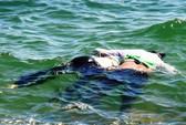 Phát hiện xác đôi nam nữ dính nhau trên biển