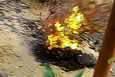 TP HCM: Đường phát nổ, tóe lửa, bốc khói