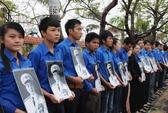 Quảng Bình: Đội mưa tầm tã viếng Đại tướng