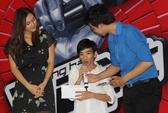 Á quân The Voice Mỹ chia sẻ khó khăn với trẻ em khuyết tật