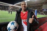 Monaco tăng lương 900% để giữ chân Mbappe