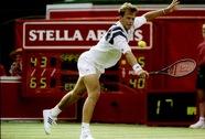 """""""Tượng đài"""" Stefan Edberg làm thầy Roger Federer"""