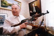 """""""Cha đẻ"""" súng trường AK-47 qua đời"""
