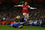 Vừa mất Ramsey, Arsenal vắng thêm Ozil