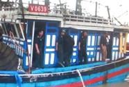 Lấy sim ĐT từ xác ngư dân trôi dạt trên biển gọi cho người thân