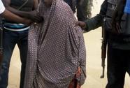 Bé gái bị cha mẹ ép đánh bom tự sát