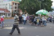 Xe tải tông xe máy, 5 người trong 1 gia đình thương vong