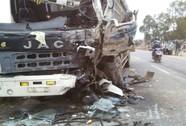 Xe khách đối đầu xe tải, 1 người chết, 1 nguy kịch