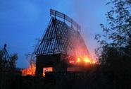 """Cháy ở khu du lịch """"nàng tiên cá"""" Rusalka"""