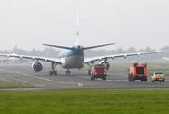 Máy bay chở 224 người gặp sự cố động cơ trên Đại Tây Dương