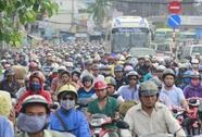 TP HCM: Kẹt xe khắp nơi làm phụ huynh và thí sinh sôi sục