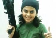 """Sốc với hình ảnh ngây thơ của """"chiến binh"""" IS 10 tuổi tử trận"""
