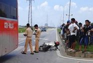 Xe khách mất lái tông chết người đi xe máy